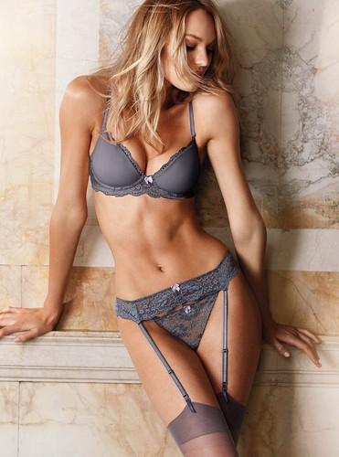 Victoria's Secret लेडीज़ इनवेअर Photoshoot