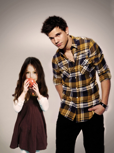 Jacob Black and Renesmee Cullen 壁纸 titled jacob and nessie :)
