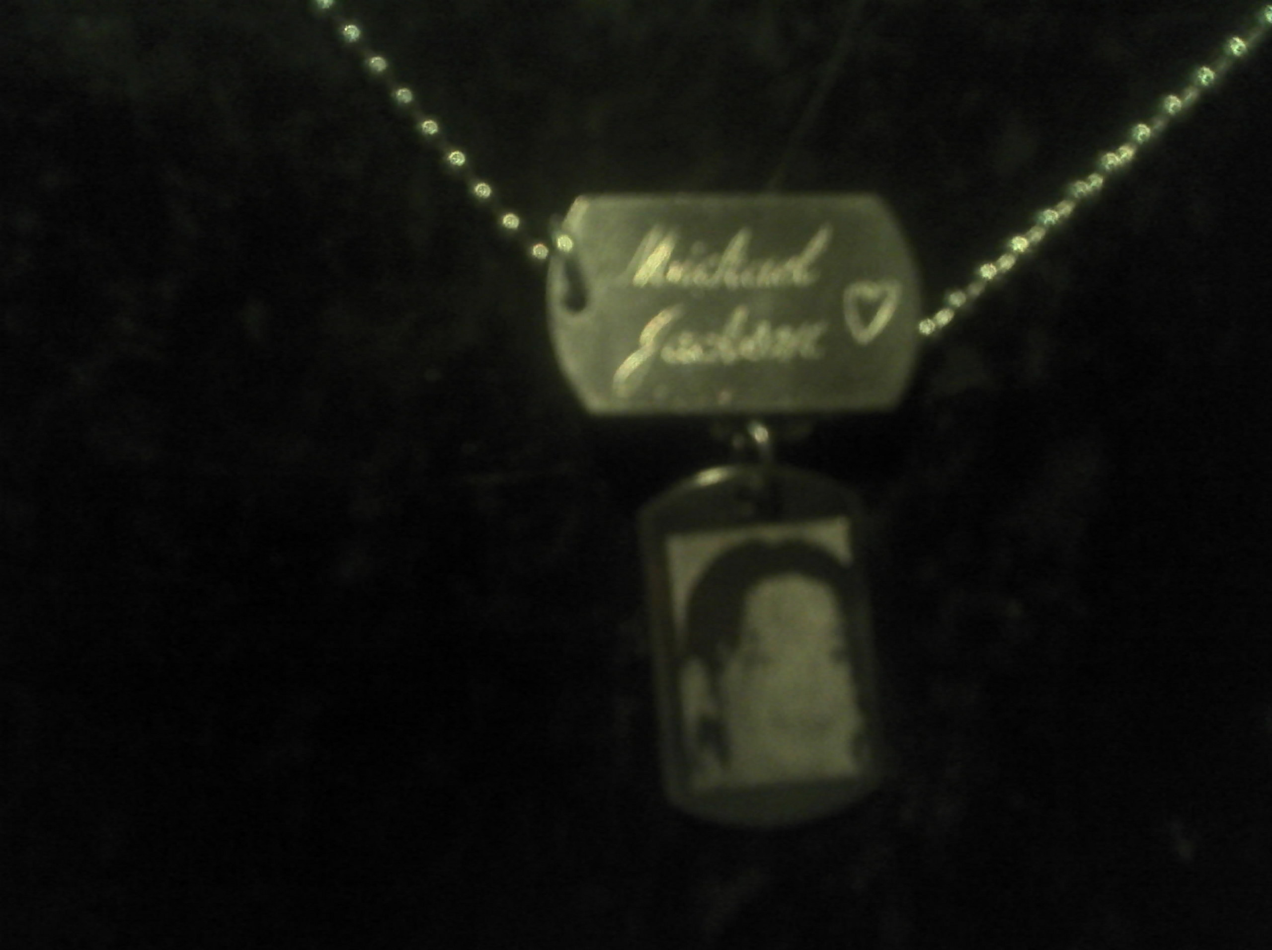 my necklace that never comes off!!!