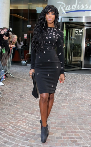 Kelly Rowland wallpaper entitled  July 14 - The X Factor Auditions in Liverpool - Day 2