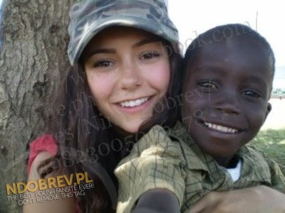 Nina Dobrev fond d'écran with a green beret, a rifleman, fatigues, and fatigue entitled 2007: Nina Building Degrassi School in Oloomirani, Kenya