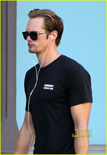 Alexander Skarsgård wallpaper containing sunglasses entitled Alexander Skarsgard Works It Out in NYC