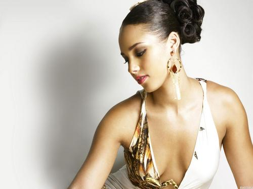 Alicia Keys wallpaper probably containing a portrait called Alicia Keys