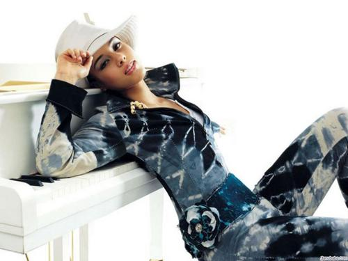 Alicia Keys wallpaper probably containing a hip boot entitled Alicia Keys