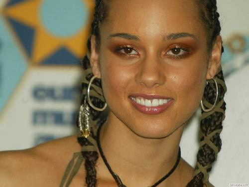 Alicia Keys wallpaper probably with a portrait titled Alicia Keys