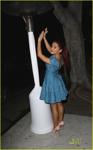 Ariana Grande: 앤젤 Awards 2011
