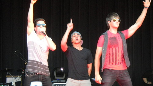 Big Time Rush livi in Beatstock from Long Island