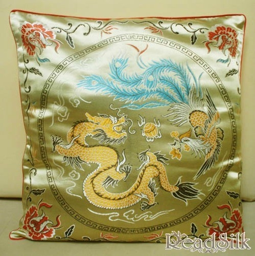 China Style Dragon Silk Cushion Cover