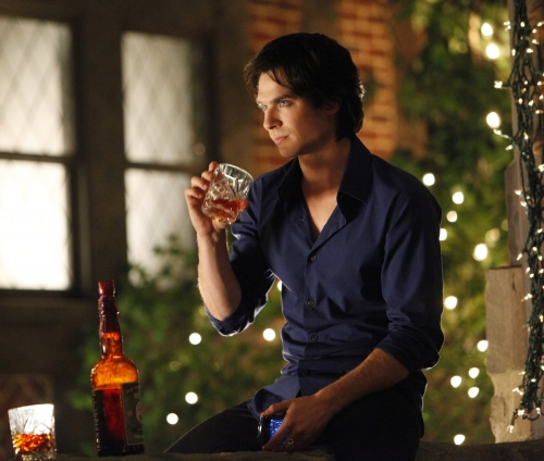 Damon Salvatore wolpeyper probably containing a bouquet called Damon in Season 3.1