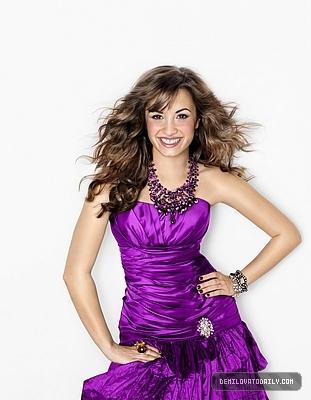 Demi in purple !!!