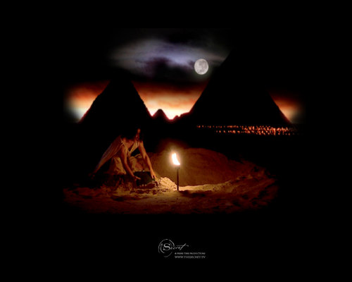 The Secret Hintergrund possibly with a feuer and a feuer called Egyptian Pyramids