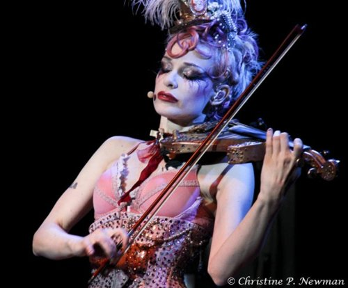 Emilie Autumn wallpaper containing a violist titled Emilie Autumn