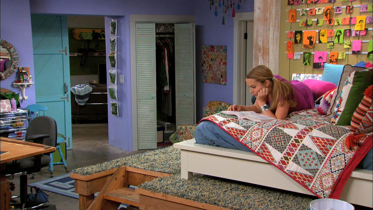 Good Luck Charlie Living Room Set The
