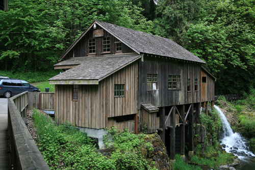 আমেরিকা দেওয়ালপত্র possibly containing a granary, a cabin, and an outhouse called Grist Mill, Washington