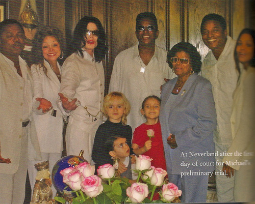 JANET JACKSON WITH FAMILY