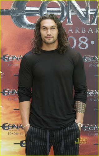 Jason Momoa: 'Conan the Barbarian' चित्र Call in Madrid!
