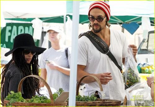 Jason Momoa & Lisa Bonet: Farmers Market Fresh