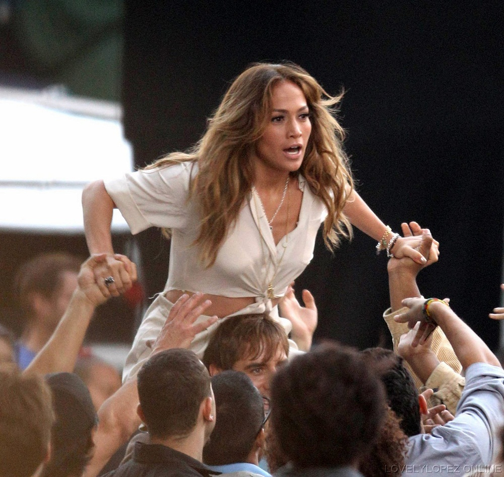 Jennifer-Music-video-set-Papi-Video-set-August-20-2011-jennifer-lopez ...