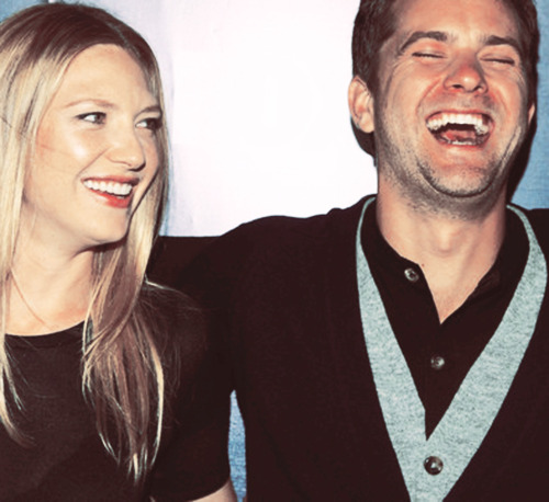 Anna Torv and Joshua Jackson fond d'écran probably containing a portrait called Josh & Anna <3