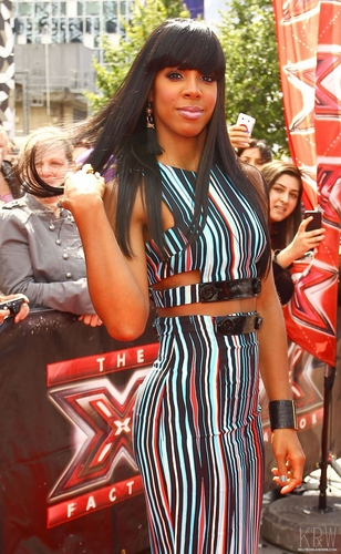 Kelly Rowland wallpaper probably containing a street entitled July 7 - The X Factor Auditions in London