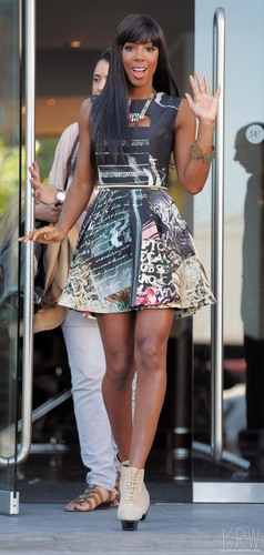 June 14, 2011 - The X Factor - Manchester Auditions - день 3