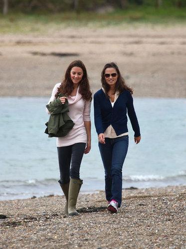 Kate and Pippa strolling in Llanddwyn Island of Newborough, North Wales (21 August 2011)