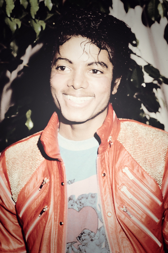 "MJ in his ""Beat It"" koti, jacket"