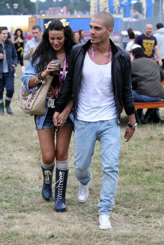 Maxchelle! (I Will ALWAYS Support TW No Matter What :) V Festival 2011! 100% Real ♥