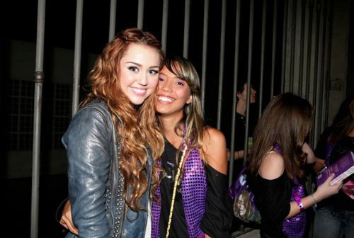 "Miley With Fans~15. May - Eu Quero Sym private party: ""Festa no Brazil"""