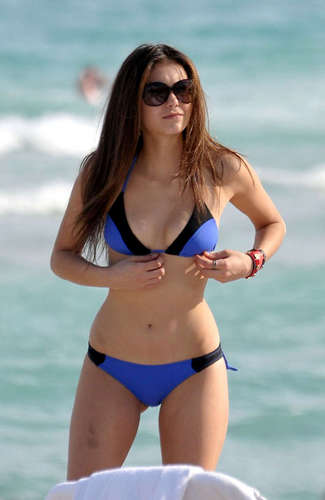Nina Dobrev At The plage :]