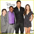 Pair of kings cast - disney-channel photo