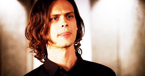 Dr. Spencer Reid wallpaper containing a business suit entitled Reid in season 4♥