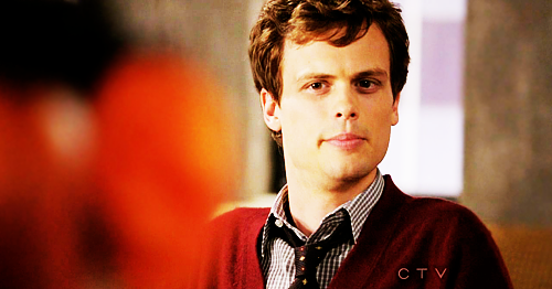 Dr. Spencer Reid wallpaper probably containing a well dressed person entitled Reid in season 6~