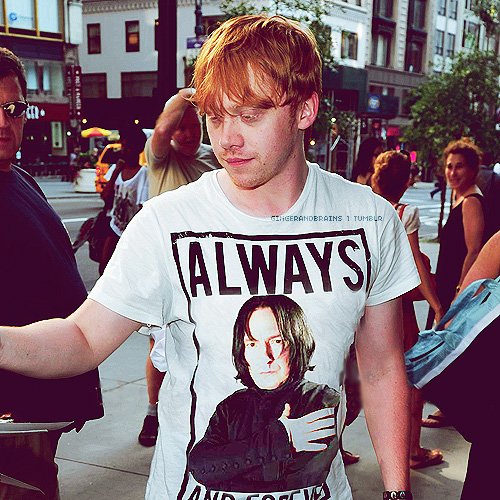 세베루스 스네이프 바탕화면 containing a jersey titled Rupert Grint - Another Snape's 팬