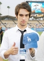 Thumbs Up!!! - brendon-urie photo