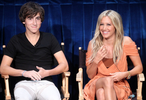 Vincent at PaleyFest Family 2011 with Ashley Tisdale - vincent-martella Photo