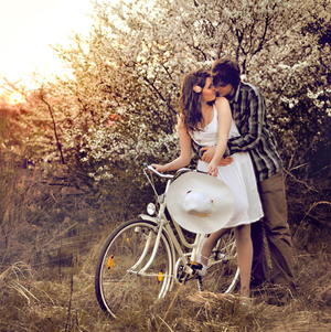 Liebe Hintergrund possibly with a velocipede, veloziped titled couples :3