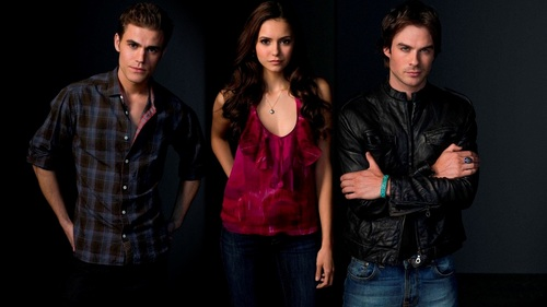 Дневники вампира (телесериал) Обои possibly with a concert, a well dressed person, and long trousers called e Vampire Diaries ღ