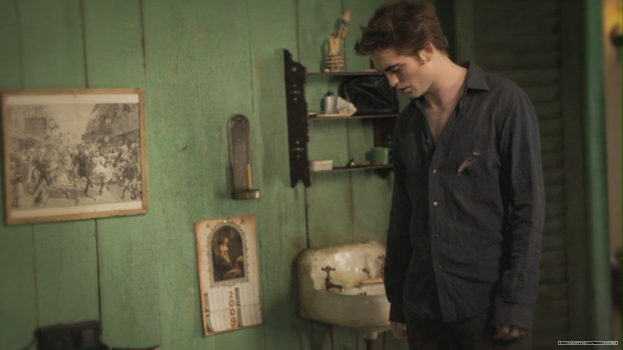 New Moon Still Edward Cullen Photo 24762379 Fanpop