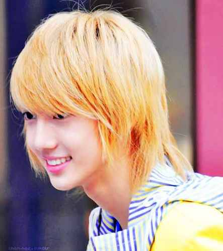 Boyfriend wallpaper with a portrait entitled young min