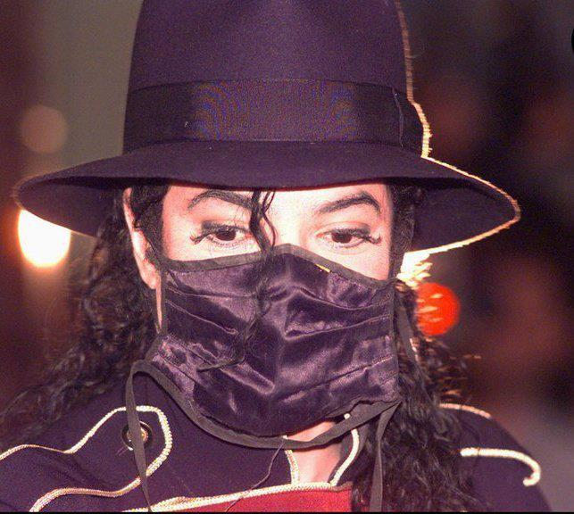 """Before toi judge me,Strive to l'amour me""-Michael Jackson"
