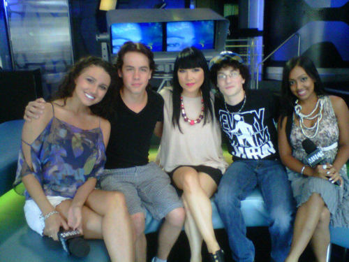 Munro Chambers wallpaper called Alicia,Munro,Lauren,Spencer,and Melinda