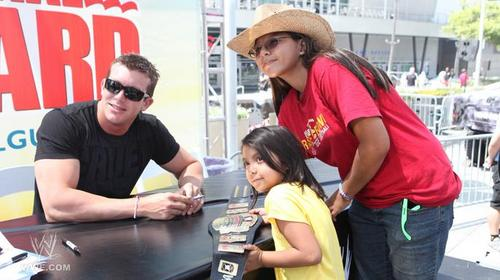 August 2011 - Summerslam Axxess
