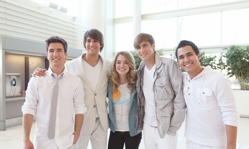 BTR and Katelyn on set of Worldwide