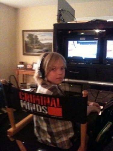 Criminal Minds wallpaper probably with a television receiver and a family room called BTS Photos - Episode 7.02