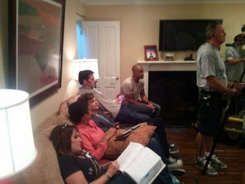 Criminal Minds achtergrond containing a family room and a living room titled BTS foto's - Episode 7.03