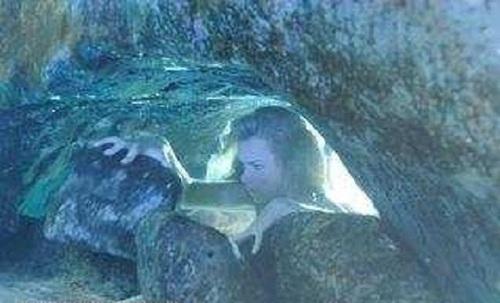 Bella Moonpool Underwater