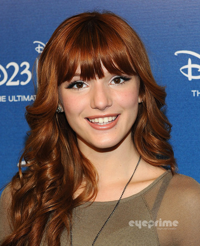 """Bella Thorne : """"Shake It Up"""" Panel at Disney Expo in Anaheim, August 21"""