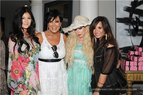 Demi - Kim Kardashian's Bridal pancuran, pancuran mandian - August 2011