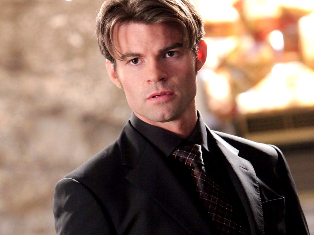 Elijah 바탕화면